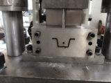 Roulis en acier de la Manche de Furring de chapeau de Batten de toit de construction formant la machine