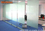 Подвижная стеклянная перегородка управление системой на стене