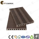 WPC imperméabilisent le Decking en plastique composé de bois de charpente