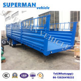 Un trasporto pratico dei 4 assi che tira il rimorchio pieno del carico del carrello