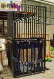 Цистерна с водой для парка воды в лете