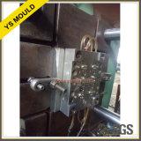 4 cavidades canal frío limpiador automático de la esencia de la tapa de desmoldeo molde