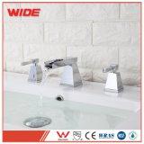 Rubinetto per la stanza da bagno, rubinetto standard americano del bacino dei 3 fori