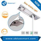luz de calle al aire libre solar de 30W LED con el sensor de movimiento