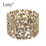 Weinlese-Schmucksache-Frauen höhlen heraus Gold überzogenes Pflanzenelastisches Armband u. -armband aus