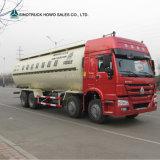 6X4 Sinotruk HOWOの頑丈なセメントのタンカータンクトラック
