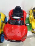 音楽の子供の電気四輪駆動車