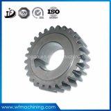 Piezas que trabajan a máquina forjadas del CNC del acero en departamento de la pieza de maquinaria del metal que trabaja a máquina
