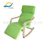 La silla de oscilación de madera de los muebles caseros para dormir/resto/se relaja