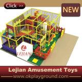 Apparatuur van de Speelplaats van de Streek van jonge geitjes de Binnen Zachte (t1506-7)