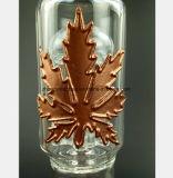 een rokende Pijp van het Glas in de vorm van het Blad van het Metaal