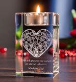 De Kaarsenhouder van de Kubus van het Glas van het kristal voor de Gebeurtenissen van het Huwelijk met de Gravure van de Laser
