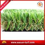 Erba artificiale di giardinaggio per il giardino ed il campo da giuoco