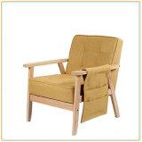 Софа самой последней комнаты мебели уклада жизни живущий деревянная