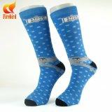 Fabrik-erwachsenes Großhandelskleid trifft Mann-Socken-Geschäfts-Socke hart