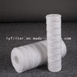 Cartucho de filtro de la herida de la cadena del algodón de 10 PP de la pulgada con la base plástica para la purificación del agua