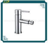 Les mesures sanitaires en laiton robinet lavabo à trou unique