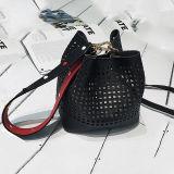 다채로운 장식용 목을 박은 결박 Sy8528를 가진 2017의 새로운 기우는 물통 빈 여자 끈달린 가방 유행 소녀 핸드백
