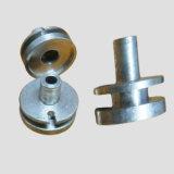 Machines de précision la partie avec l'aluminium // le matériel en acier inoxydable en laiton
