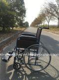 Fauteuil roulant manuel, économique, fonctionnel en acier Kbw871c