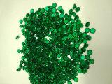 실험실은 에메랄드 색 느슨한 원석을 만들었다