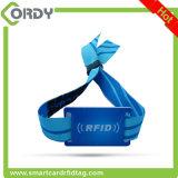 Wristband su ordinazione del tessuto tessuto RFID di festival di 13.56MHz FM11RF08