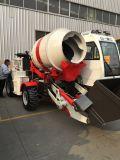 Caminhão de mistura concreto da operação piloto com 100 graus de rotação