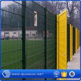 중국 직업적인 담 공장은 높은 방호벽 유형을 반대로 올라간다