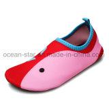 L'eau à séchage rapide de gosses chausse des chaussures de yoga de chaussures de peau de chaussures d'Aqua de poids léger