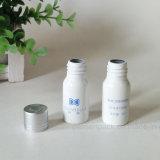 Штейновая белая алюминиевая бутылка для косметической упаковывая пользы (PPC-AB-0109)