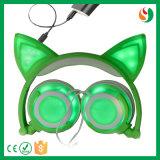 Cuffia vistosa stereo del gatto collegata disegno sveglio di modo della Cina