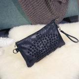 2017の新しい方法エンベロプのパッケージの女性の劉の釘の羊皮のハンド・バッグの韓国のメッセンジャーのショルダー・バッグの卸売