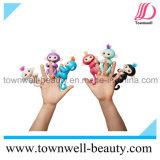Электронный взаимодействующий младенец Fingerlings Monkeys франтовские цветастые игрушки