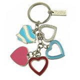 Trousseau de clés doux personnalisé en métal de forme de coeur d'émail de série