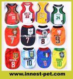 De in het groot Kleren van de T-shirt van de Hond van het Team van het Basketbal van de Voetbal, het Product van het Huisdier
