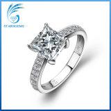 1.5 Monili della Moissanite Diamond Silver di carati della principessa Cut