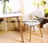 有刺鉄線の椅子の錬鉄の家具は、椅子のヨーロッパの椅子の背部の食べる椅子イラクをあったくり抜くワイヤー椅子のEamesワイヤー(M-X3367)を