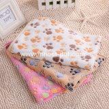 柔らかい動物の総括的な犬のプラシ天の快適な毛布