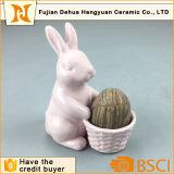 イースターギフトのためのピンクの陶磁器のかわいいウサギのエッグカップ