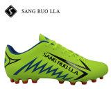 Comercio al por mayor calidad profesional de fútbol Caliente hombres zapatos de tacos de fútbol en venta