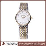 Het Polshorloge van de Dames van de Armband van de hoogste Kwaliteit, het In het groot Horloge van het Kwarts