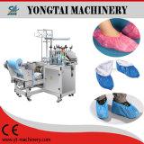 Plastik über dem Schuh, der Maschine herstellt