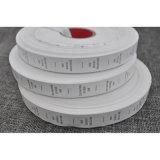 Etiqueta de lavado impreso de nylon de fondo blanco personalizado
