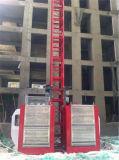 ascenseur de la construction 2t dans la crémaillère et le pignon pilotés