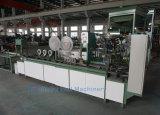Cabeza llena de uñas tira de papel de la máquina en Alemania