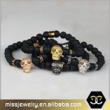 O Onyx gótico do preto do Mens do estilo perla o bracelete da mão com os crânios do aço inoxidável