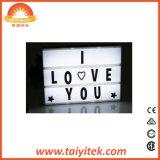 La combinaison libre marque avec des lettres le cadre léger DEL de photo de décoration cinématographique du film
