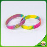 Kundenspezifischer Firmenzeichen-SilikonWristband mit gewirbelter/segmentierter Technik