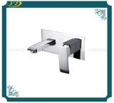 Хозяйственная стена конструкции способа установила однорычажный смеситель ливня ванной комнаты
