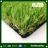Erba artificiale del tappeto erboso artificiale decorativo durevole del giardino